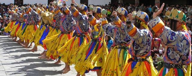 BHUTAN-DANCERS