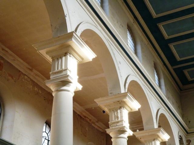 Interior of St. Leonard's, Shoreditch.© 3Di Associates Photography