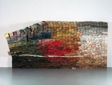traveling-book-sculpture-by-anouk-kruithof-1-580x445