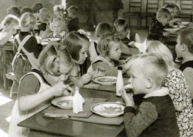 School-lunch-2